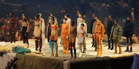 Tablecloth, Drama, heater, Scene, Acting, Costume design, Linens, Boot, Opera, Overall,