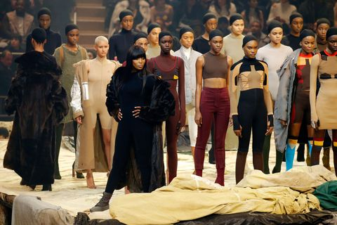 Human, Costume design, Fashion design, Boot, Overall, Acting, heater, Scene, Drama,