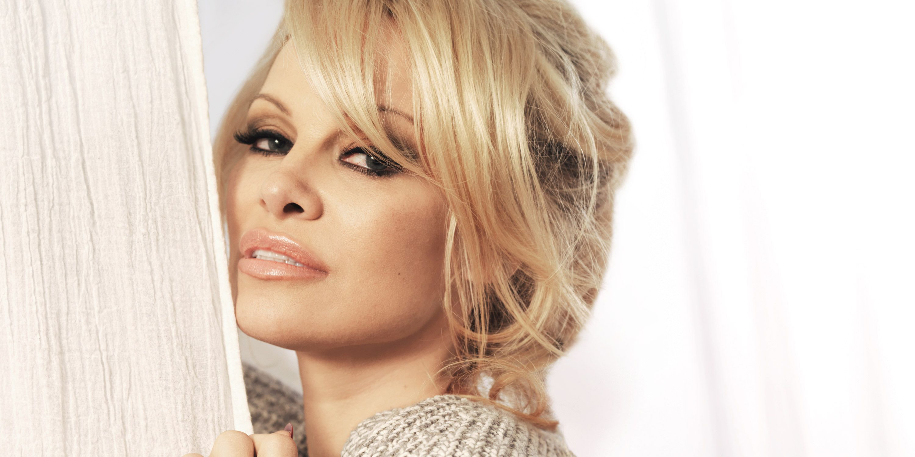 At Home With Pamela Anderson Pamela Anderson Beauty Interview