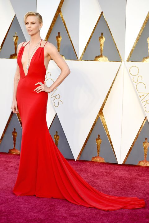 Clothing, Dress, Shoulder, Flooring, Red, Carpet, Style, Fashion, Gown, Neck,