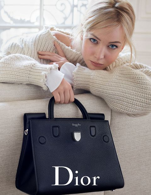 Lip, Product, Eyelash, Comfort, Bag, Beauty, Fashion, Luggage and bags, Sweater, Blond,
