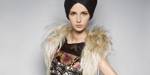 Lip, Headgear, Costume accessory, Fashion, Beauty, Eyelash, Street fashion, Fashion model, Model, Day dress,