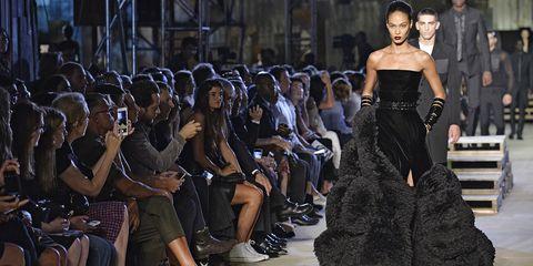 Dress, Style, Street fashion, Fashion, Crowd, Fashion show, Fashion model, Public event, Waist, Haute couture,