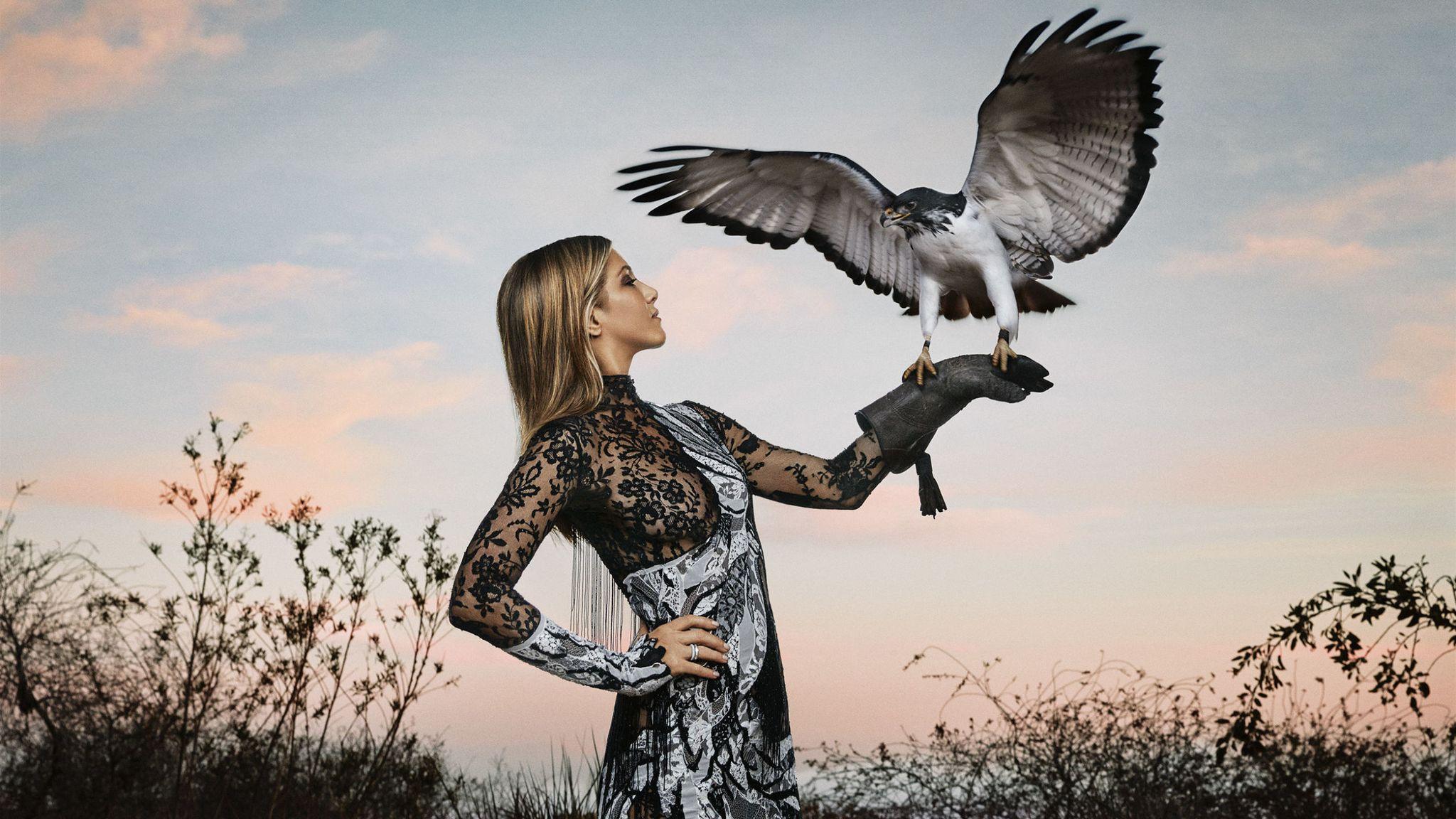 Jennifer Aniston Takes Flight