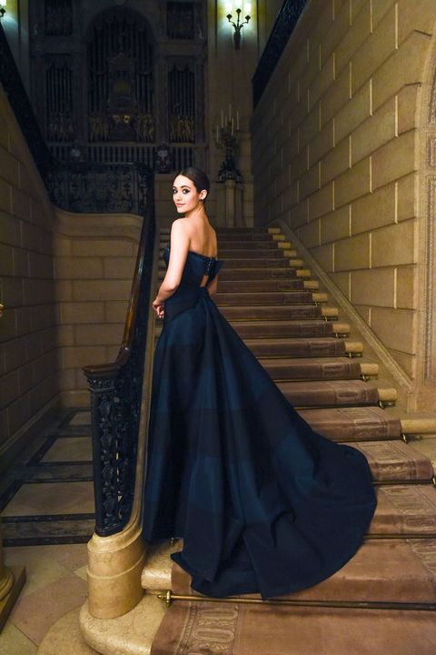 Clothing, Dress, Gown, Street fashion, Animation, Stairs, One-piece garment, Fictional character, Fashion model, Model,