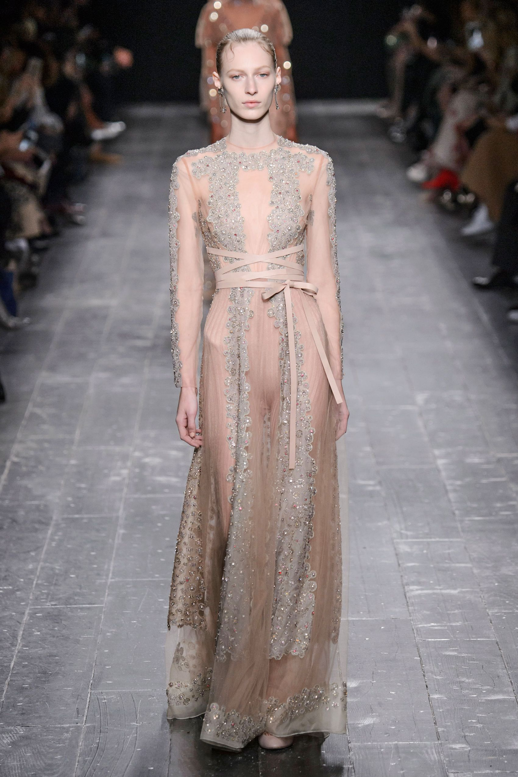 2017 fashion week dates - Best Runway Fashion At Paris Fashion Week Fall 2016 Paris Fashion Week Fall 2016 Runway Trends