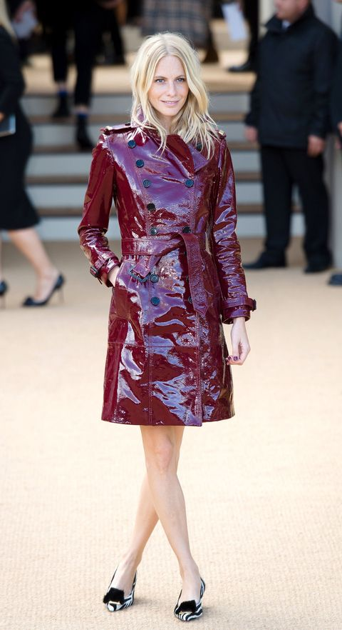 <p>Poppy Delevingne shows how it's done in a slick Burberry coat, paired simply with flats.</p>