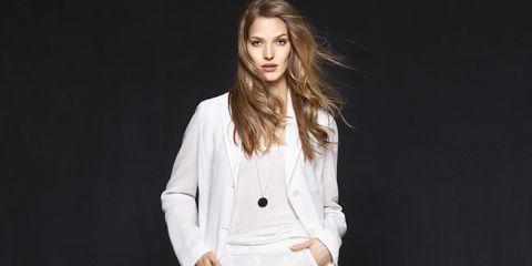 Clothing, Lip, Hairstyle, Collar, Sleeve, Shoulder, Dress shirt, Blazer, Fashion, Neck,