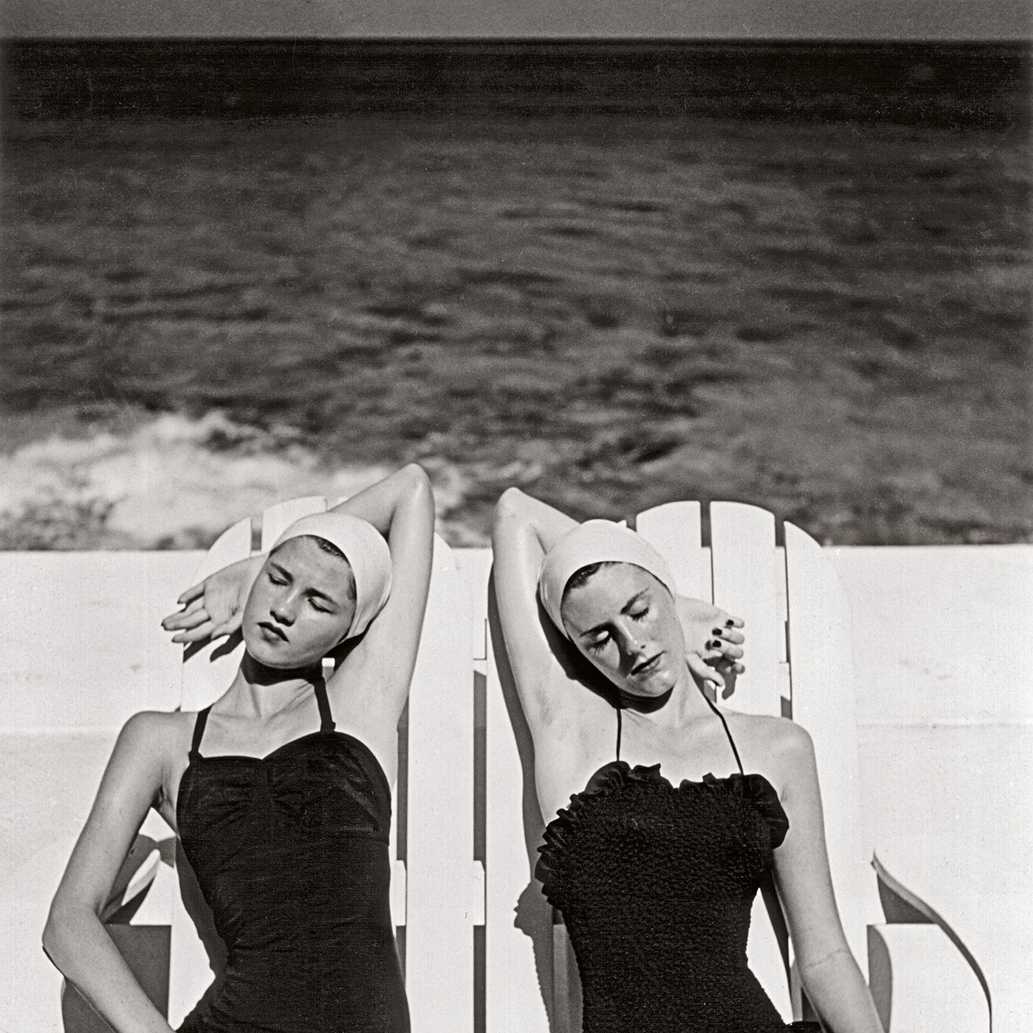 <p><em>Louise Dahl-Wolfe, Twins at the Beach, Nassau, Bahamas , 1949, from Louise Dahl-Wolfe </em><em>(Aperture, 2016) </em></p>