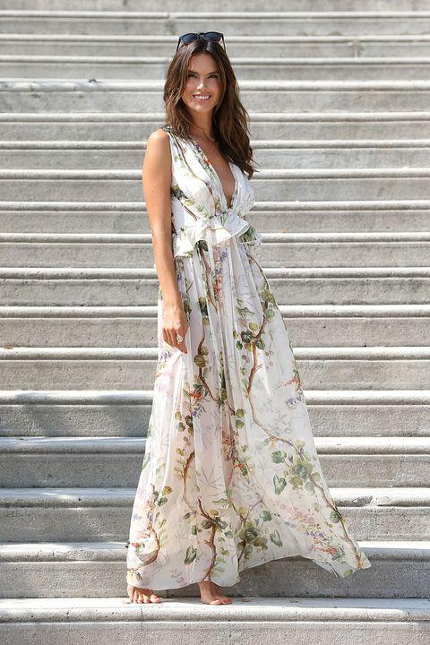 Clothing, Dress, Shoulder, Style, Street fashion, Formal wear, Stairs, One-piece garment, Day dress, Fashion,