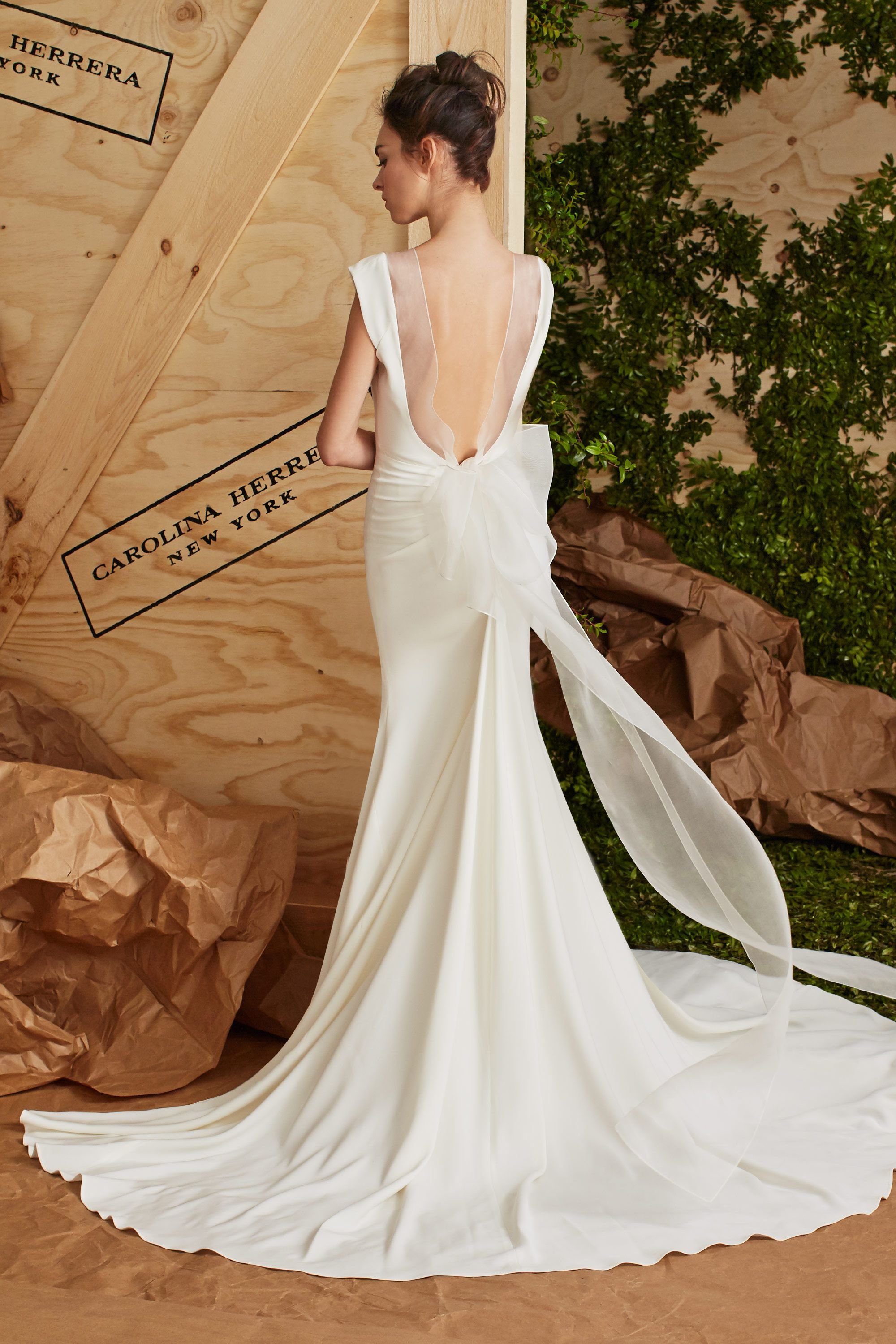 4ea60d5a7f50 15 Carolina Herrera Spring 2017 Wedding Dresses - See Entire ...
