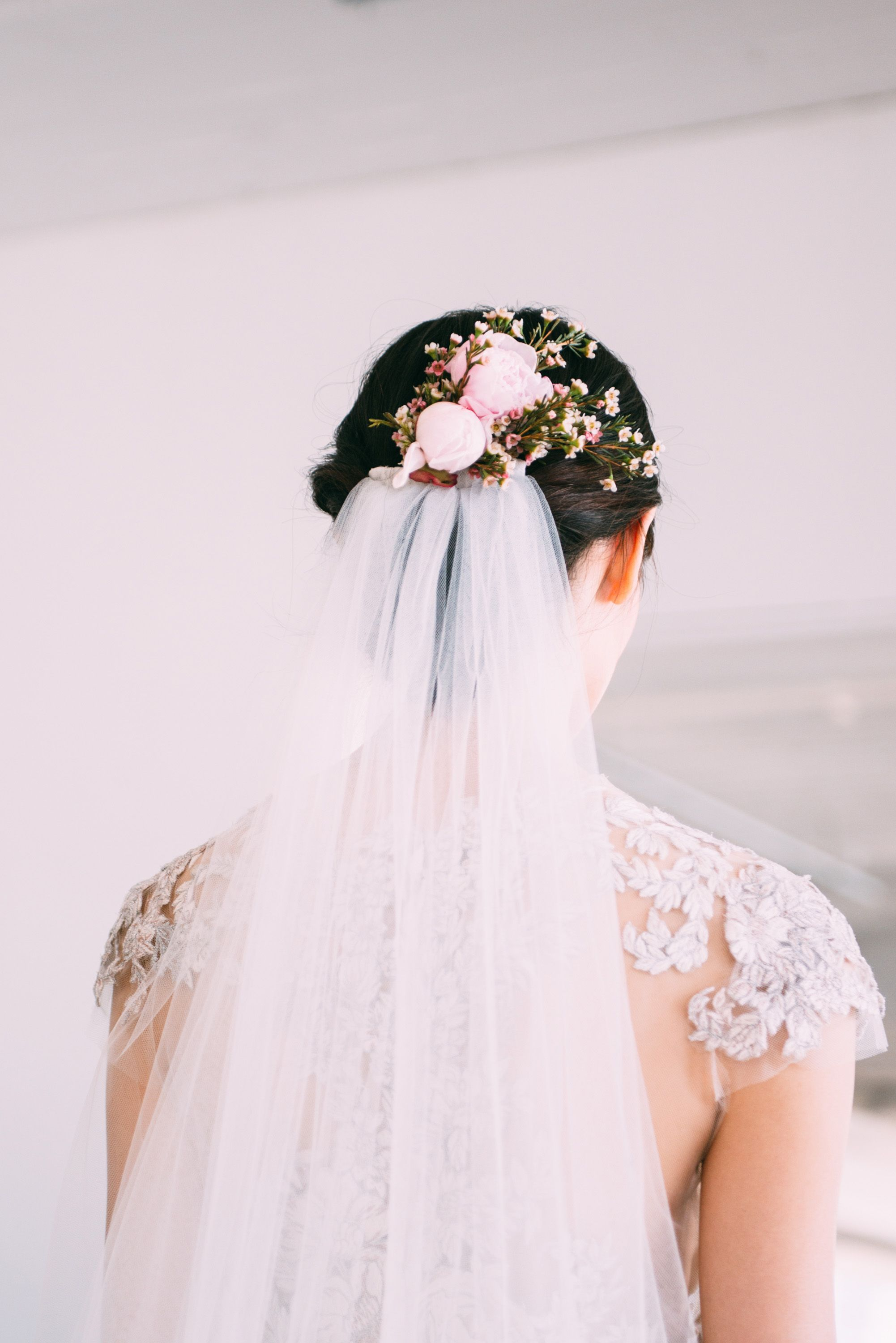 Wedding Hair and Makeup Inspiration From Spring 2017 Bridal Fashion Week