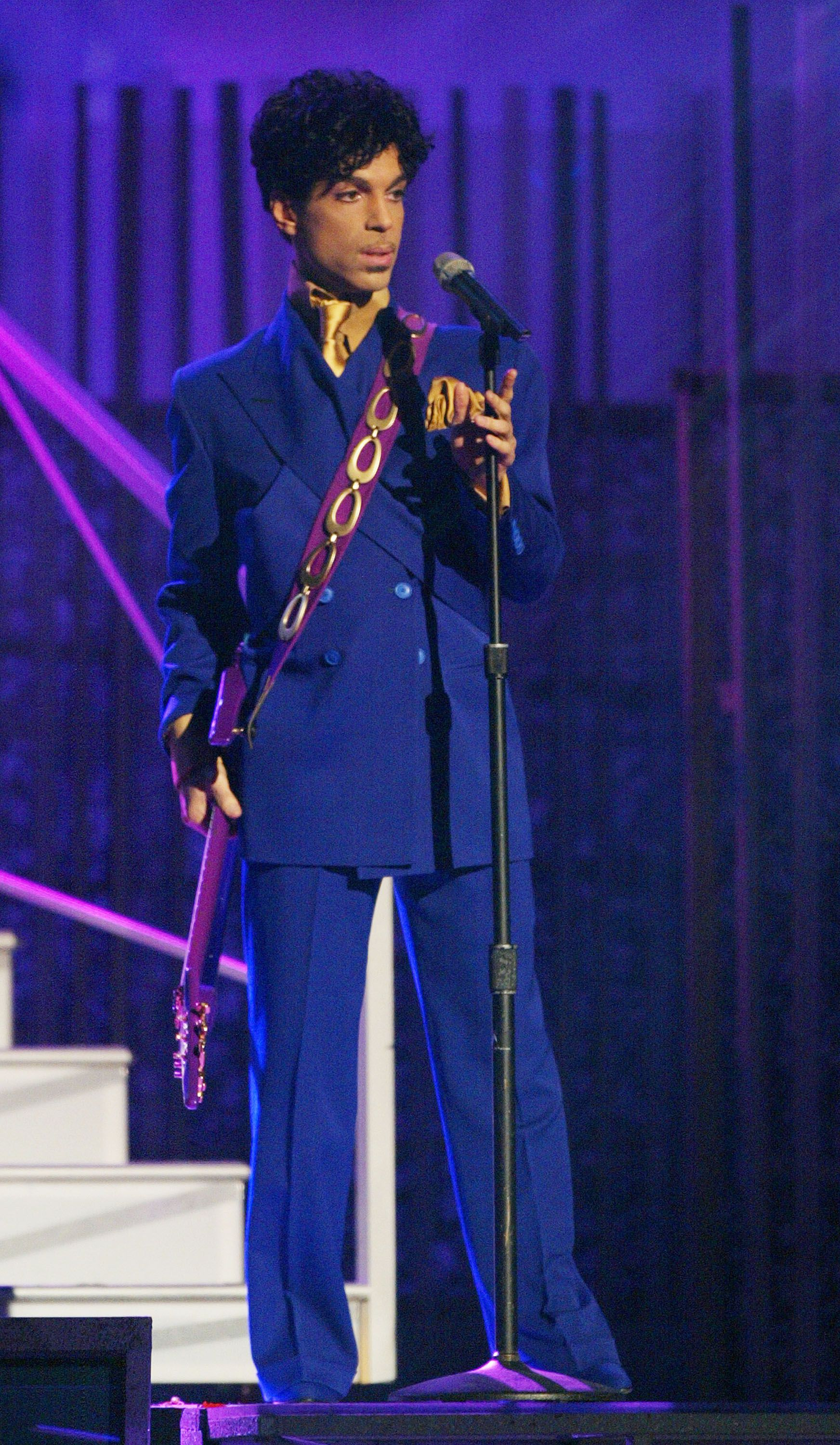 40 of prince s best fashion moments prince s most iconic outfits prince s most iconic outfits
