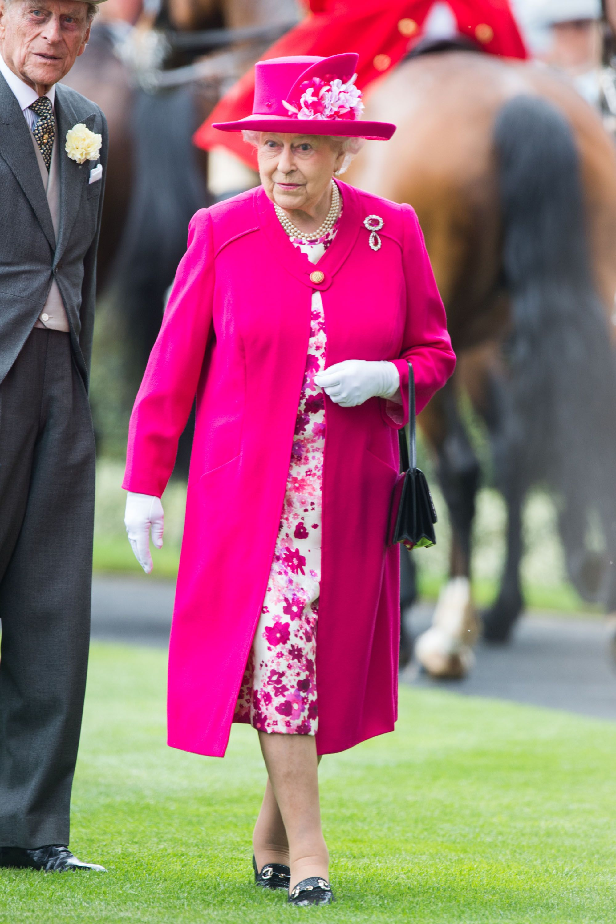 Queen Elizabeth S Best Style Moments Over The Years Ii Fashion