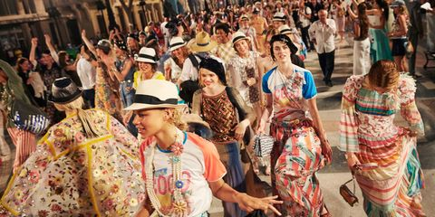 Human, Crowd, People, Hat, Community, Tourism, Headgear, Temple, Sun hat, Audience,