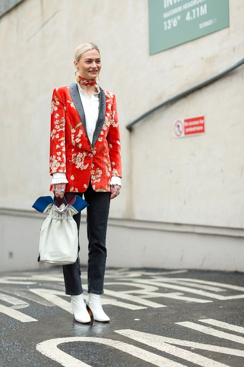 <p>Blogger Pandora Sykes illustrates one way to wear a bright statement piece is to keep everything else neutral. </p>