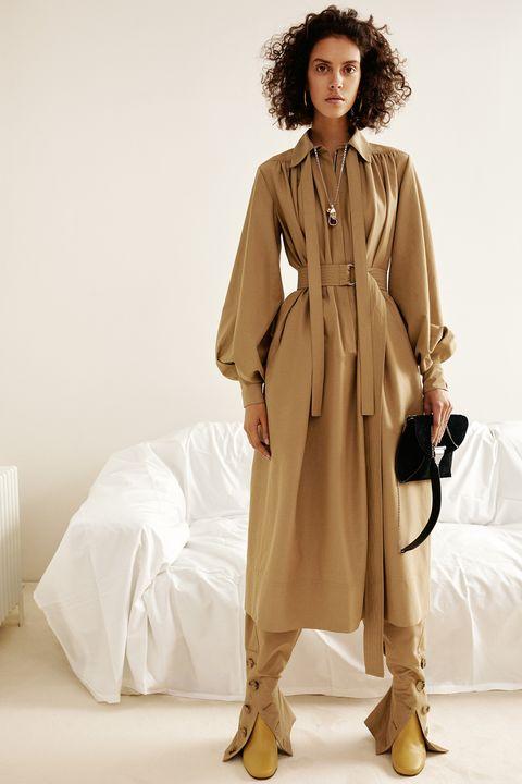 Brown, Sleeve, Coat, Textile, Shoe, Outerwear, Style, Collar, Jheri curl, Khaki,