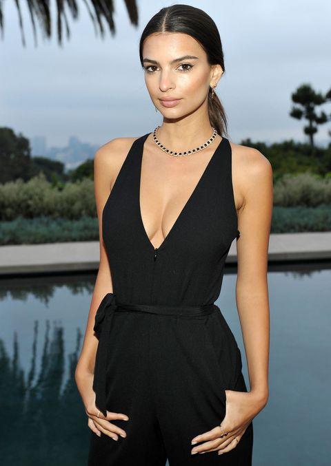 Shoulder, Joint, Jewellery, Style, Summer, Waist, Dress, Formal wear, Fashion model, Black hair,