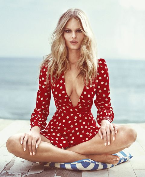 <p>Energy and passion—the color red is synonymous with romance, and just happens to be one of summer's on-trend picks. Score.</p>