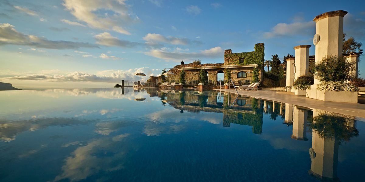 19 Of The World's Most Amazing Hotel Pools