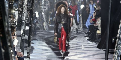 Style, Fashion model, Street fashion, Fashion, Winter, Fashion show, Runway, Costume design, Waist, Model,