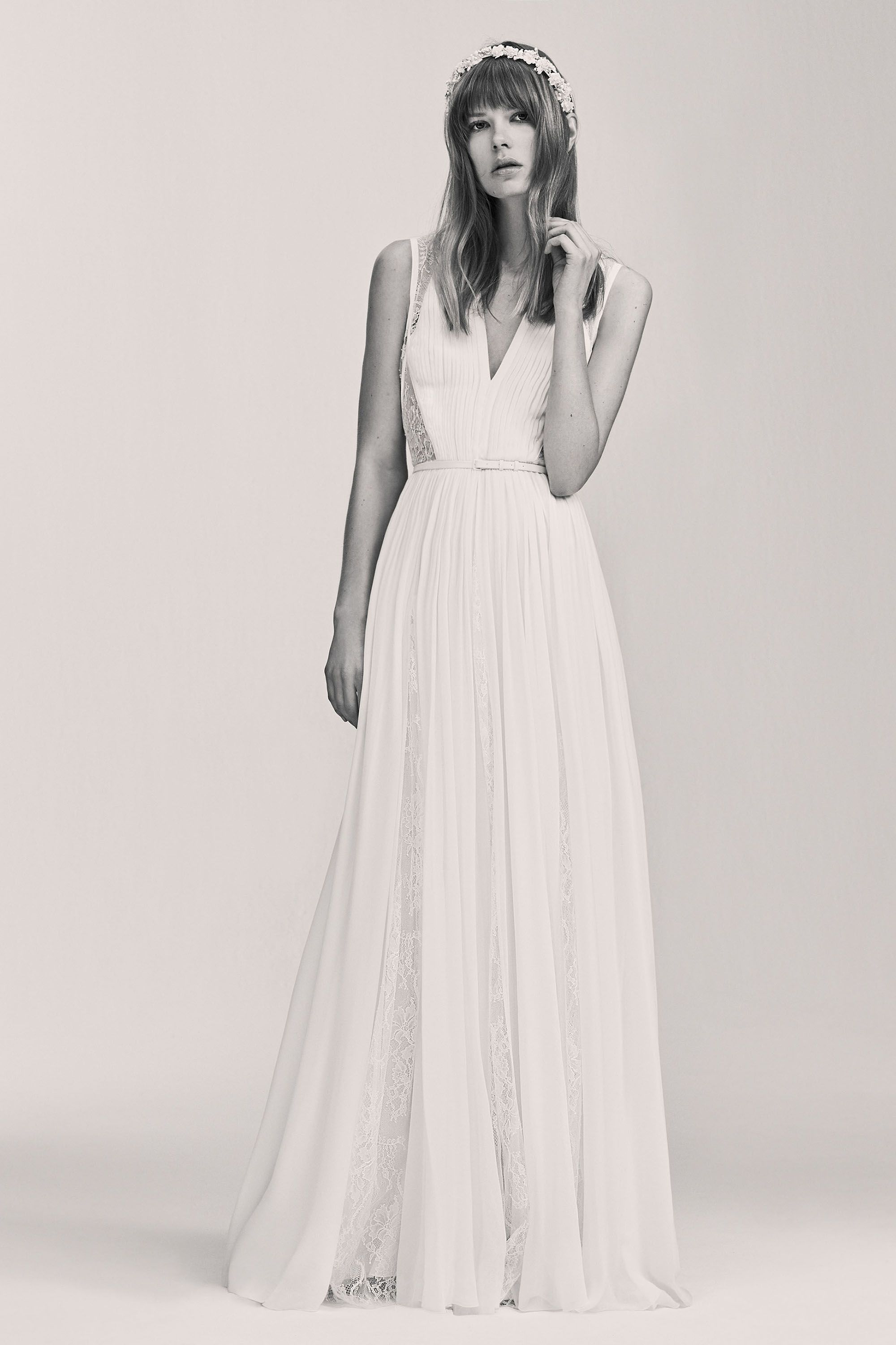 99 beautiful beach wedding dresses bridal gowns for a beach 99 beautiful beach wedding dresses bridal gowns for a beach destination wedding ombrellifo Choice Image