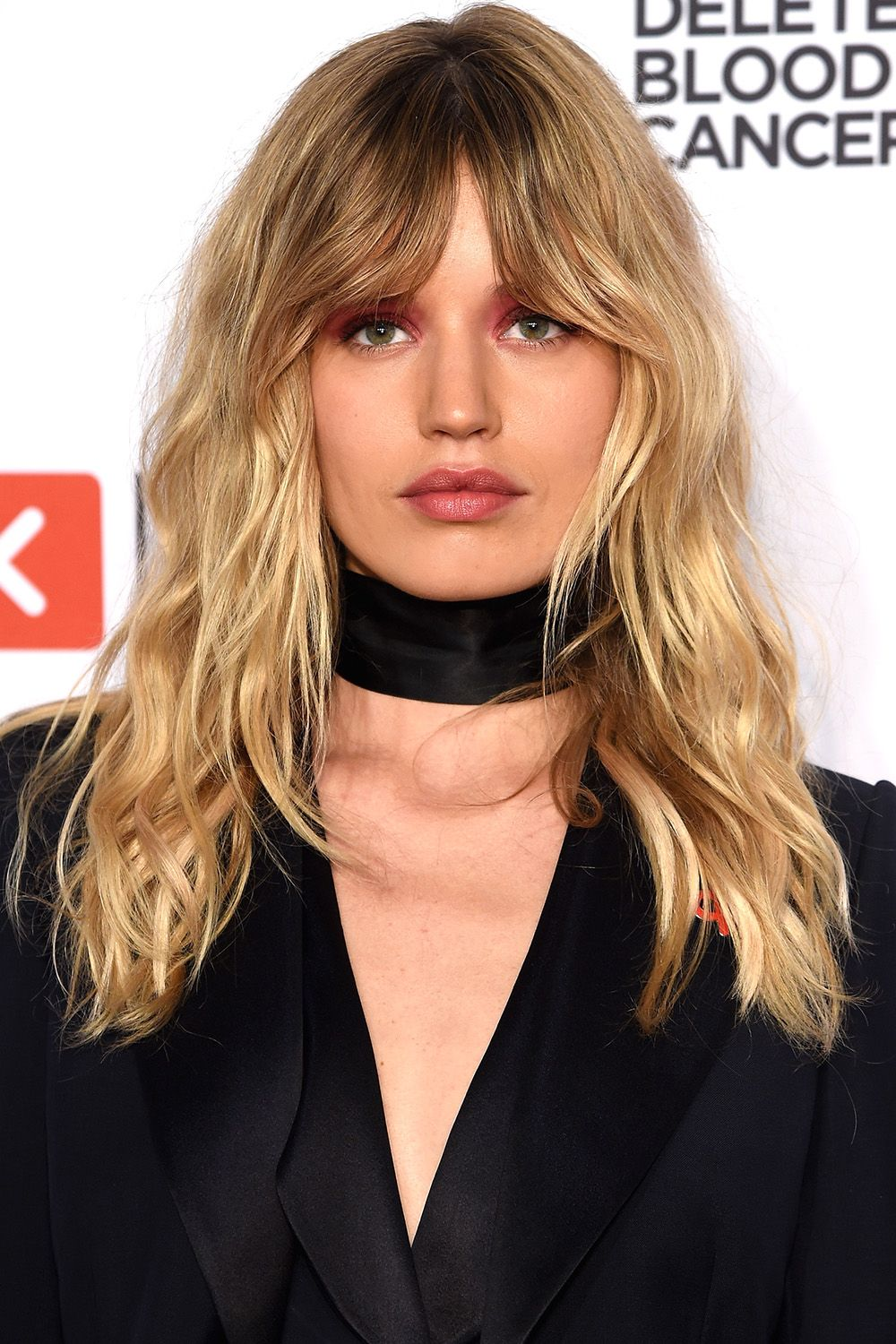 50 Best Medium Hairstyles Celebrities With Shoulder Length Haircuts