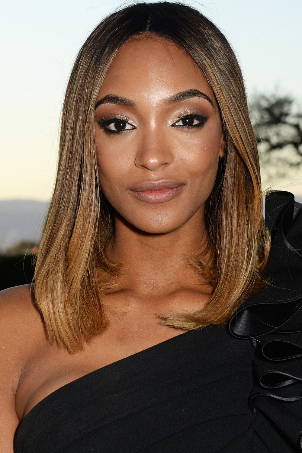 11 Best Medium Hairstyles - Celebrities With Medium Hair Length