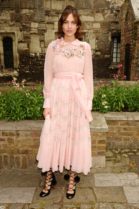 Clothing, Dress, Textile, Pink, One-piece garment, Day dress, Embellishment, Street fashion, Necklace, Peach,