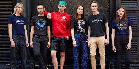 Leg, People, Trousers, Denim, Social group, Shirt, Jeans, Textile, T-shirt, Youth,
