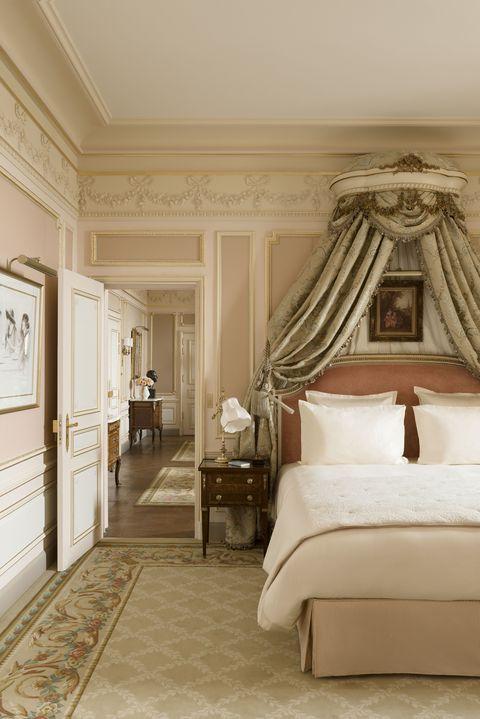 Interior design, Room, Property, Bed, Floor, Textile, Flooring, Ceiling, Interior design, Wall,