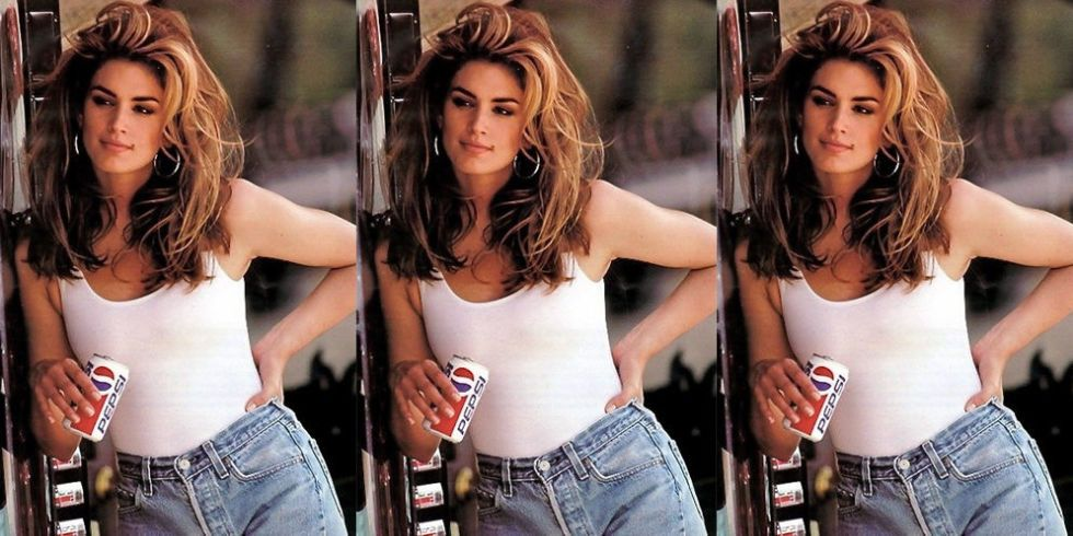Cindy Crawfords 1992 Pepsi Commercial Gets Remade In -7009