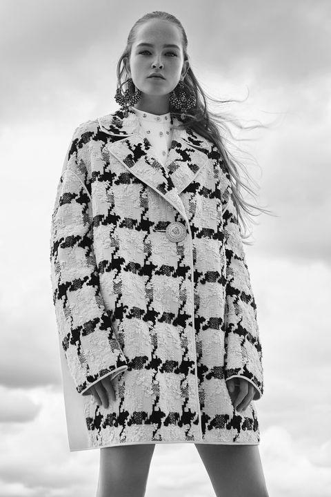 Sleeve, Winter, Shoulder, Textile, Style, Pattern, Street fashion, Fashion model, Fashion, Beauty,
