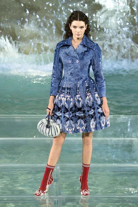 Clothing, Blue, Sleeve, Shoulder, Outerwear, Dress, Collar, Style, Street fashion, Fashion model,
