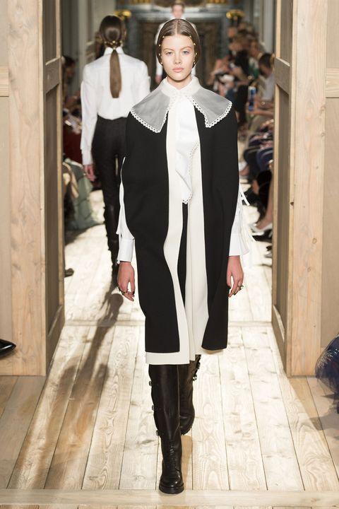 Outerwear, Style, Collar, Street fashion, Fashion, Fashion show, Fashion model, Boot, Runway, Costume design,