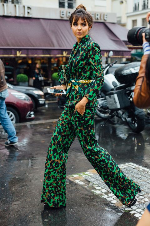Camouflage, Trousers, Jeans, Military camouflage, Style, Street fashion, Street, Jacket, Auto part, Bag,