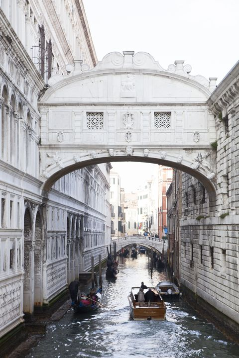 Body of water, Architecture, Waterway, Watercraft, Channel, Boats and boating--Equipment and supplies, Canal, Boat, Arch, Boating,