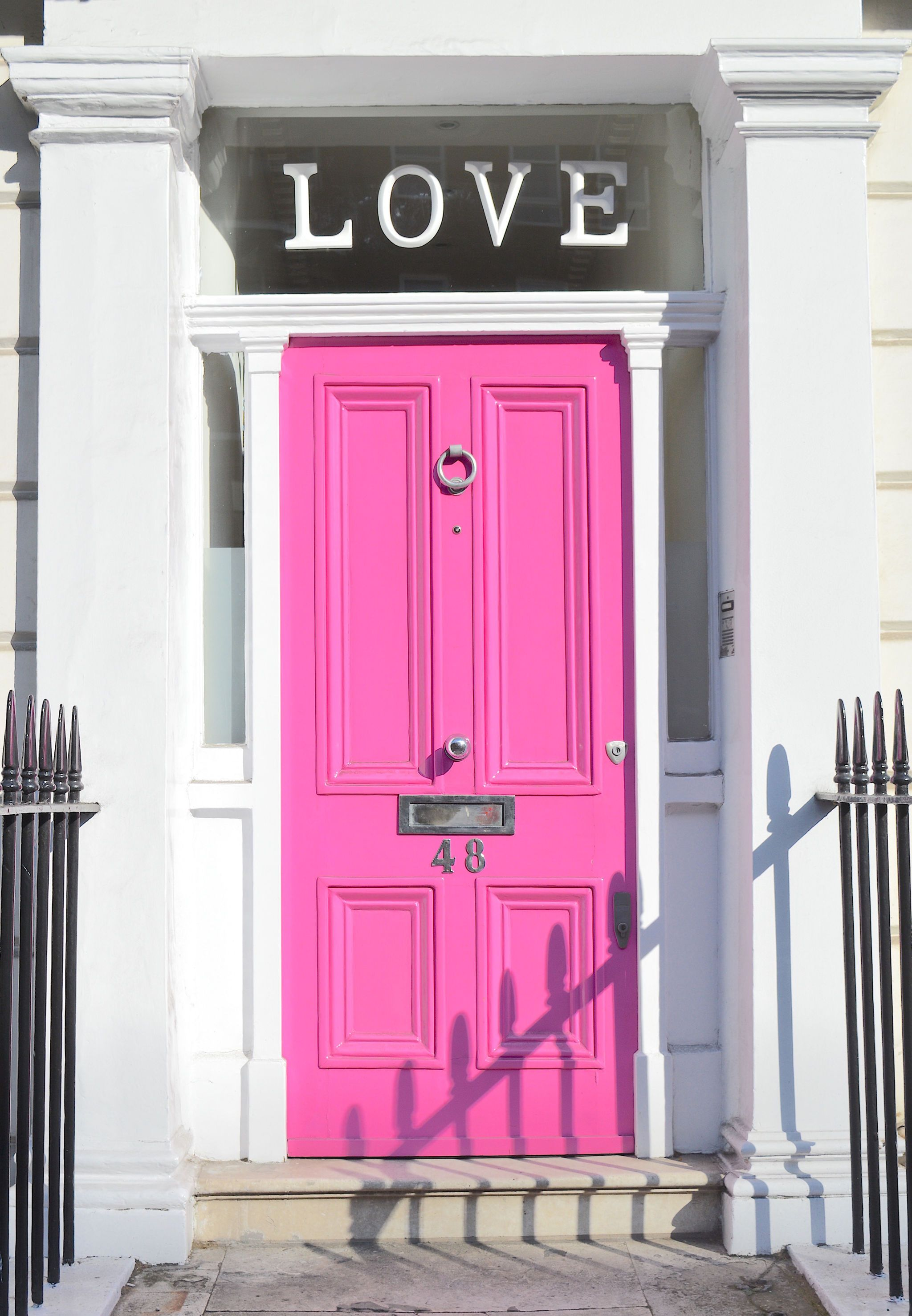 The instafamous \ LOVE door is a MUST for every Instagramer\u2013there is the queue & 35 Beautiful Places to Go in London - 35 Reasons London is the Most ...
