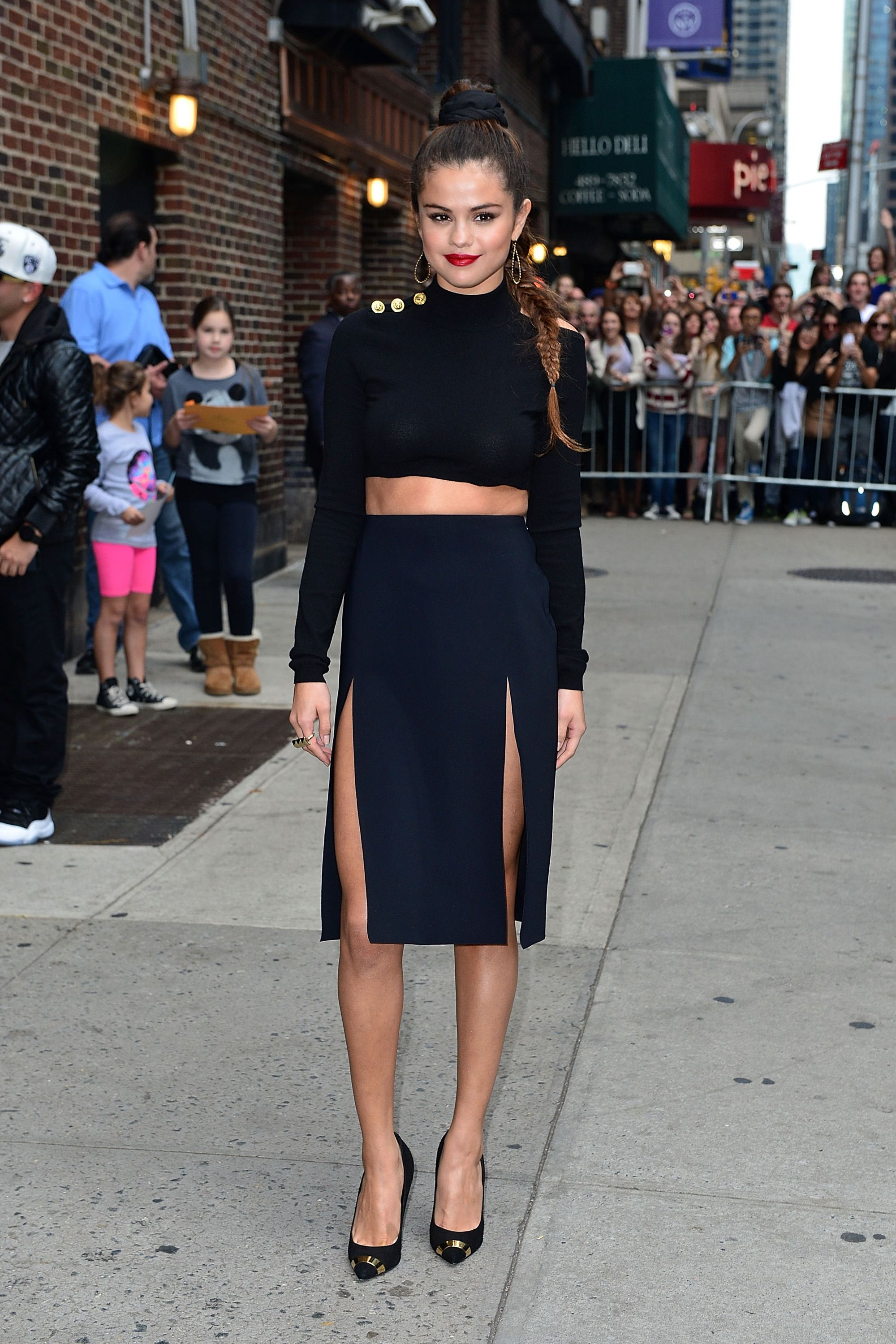 Selena Gomez Style Transformation Selena Gomez Best Outfits And