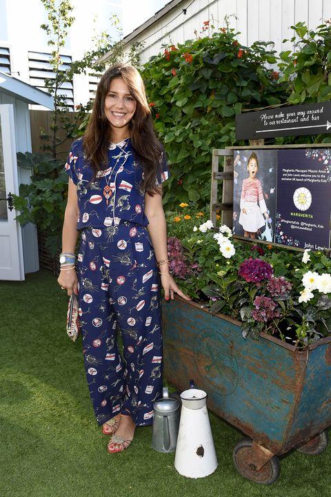 Dress, Garden, Flowerpot, Shrub, One-piece garment, Spring, Day dress, Cart, Backyard, Yard,