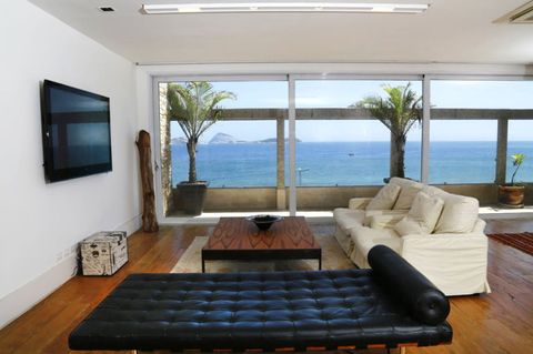 <p>With four bedrooms and bathrooms, the home accommodates 8 guests comfortably, and has ample room for entertaining. The first floor living has access to an adjacent balcony, where guests can enjoy the views and the weather.</p>