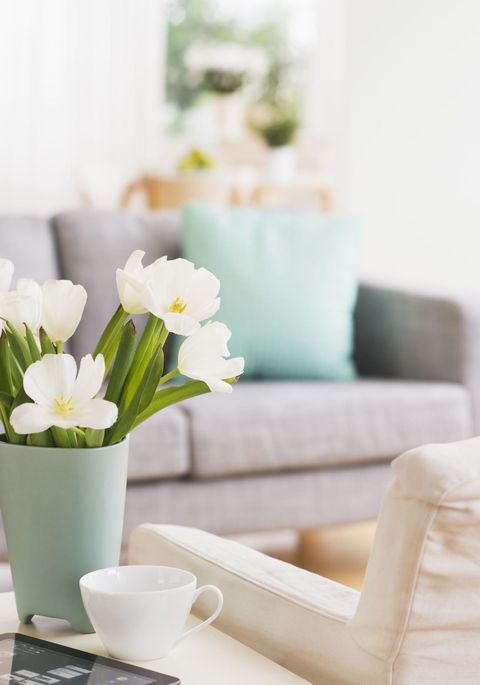 """<p>Small accents can say a lot, which is why CeCe Barfield Thompson of <a href=""""http://www.cecebarfieldinc.com/"""" target=""""_blank"""">CeCe Barfield Inc</a> always takes note. """"Little touches help a space feel like a home,"""" she says, like flowers by the door, an organized-but-used entry way and a easily accessible bar, of course.</p>"""