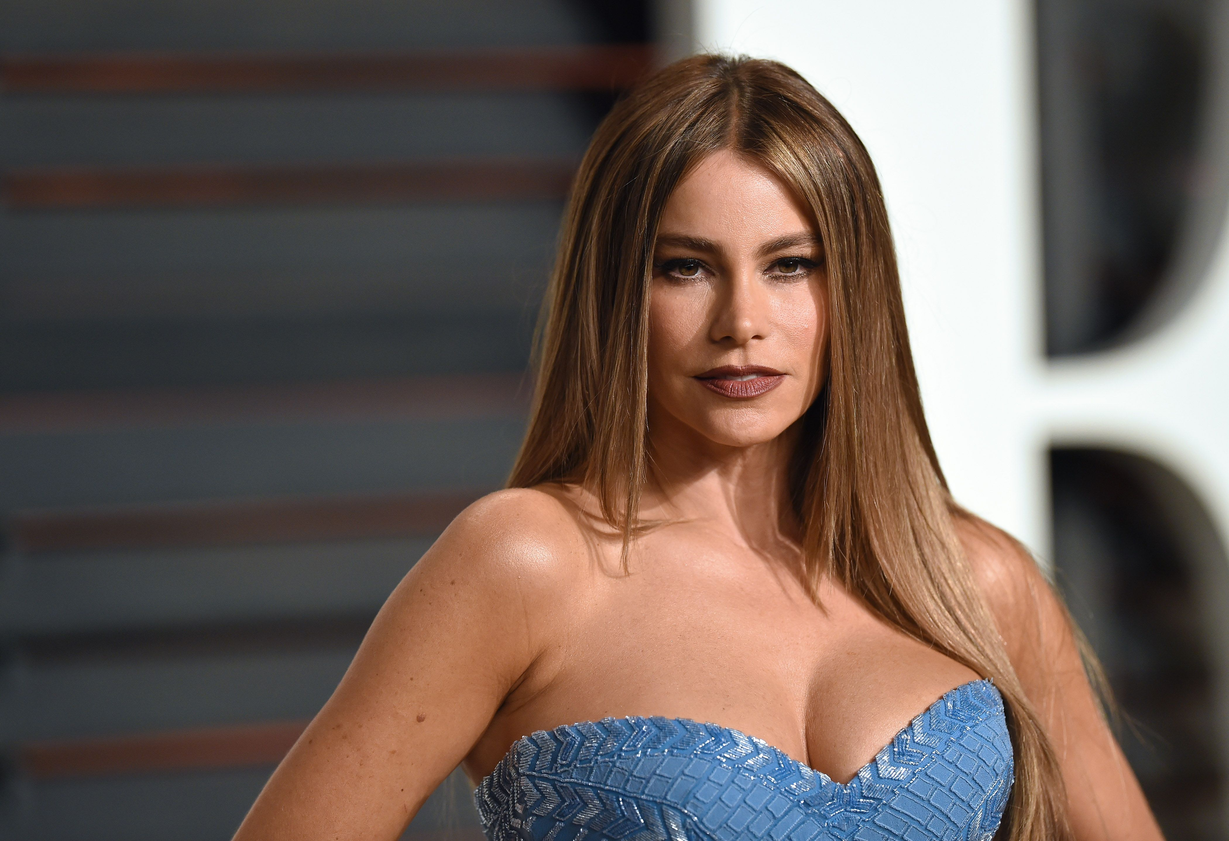Modern Family Actress Shares Her Biggest Beauty Regret - Sofia Vergara's Biggest Beauty Regret Is Not Using Sunscreen on Her Chest