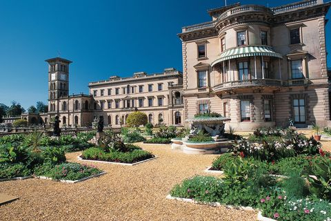 "<p>Queen Victoria, the&nbsp;Osborne House in&nbsp;Isle&nbsp;of Wight<span class=""redactor-invisible-space"">, UK</span></p>"