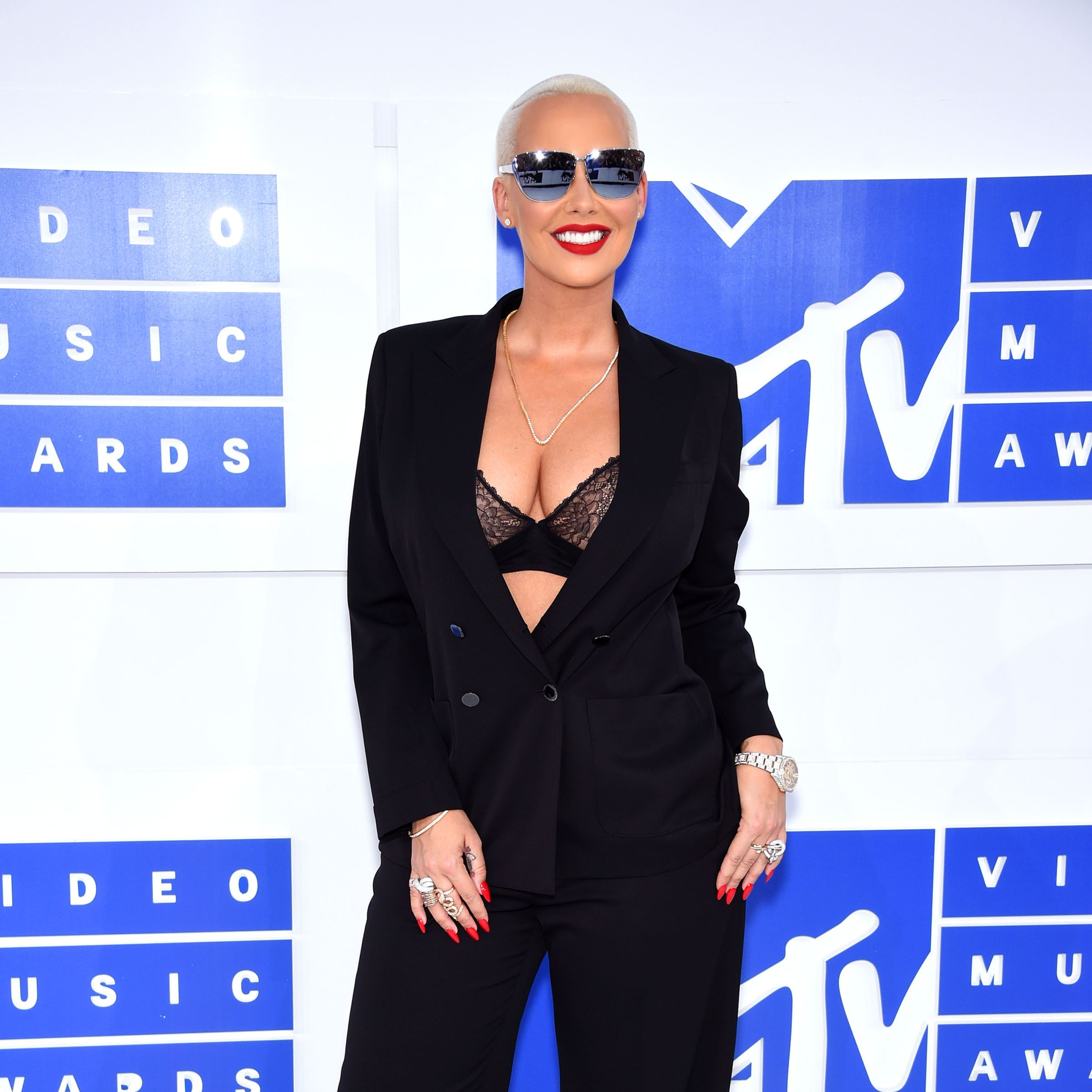 NEW YORK, NY - AUGUST 28:  Model Amber Rose attends the 2016 MTV Video Music Awards at Madison Square Garden on August 28, 2016 in New York City.  (Photo by Dimitrios Kambouris/WireImage)