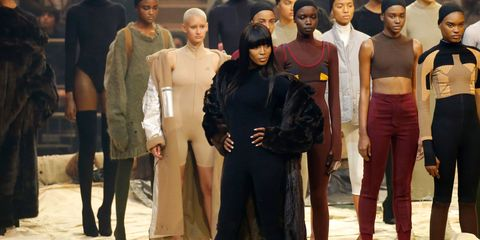 Leg, Human body, Waist, Fashion, Trunk, Abdomen, Fashion model, Street fashion, Chest, Fashion design,