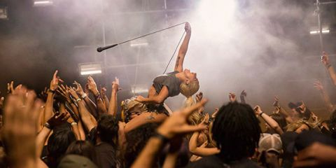 Arm, Finger, Crowd, People, Entertainment, Event, Music, Performing arts, Social group, Hand,