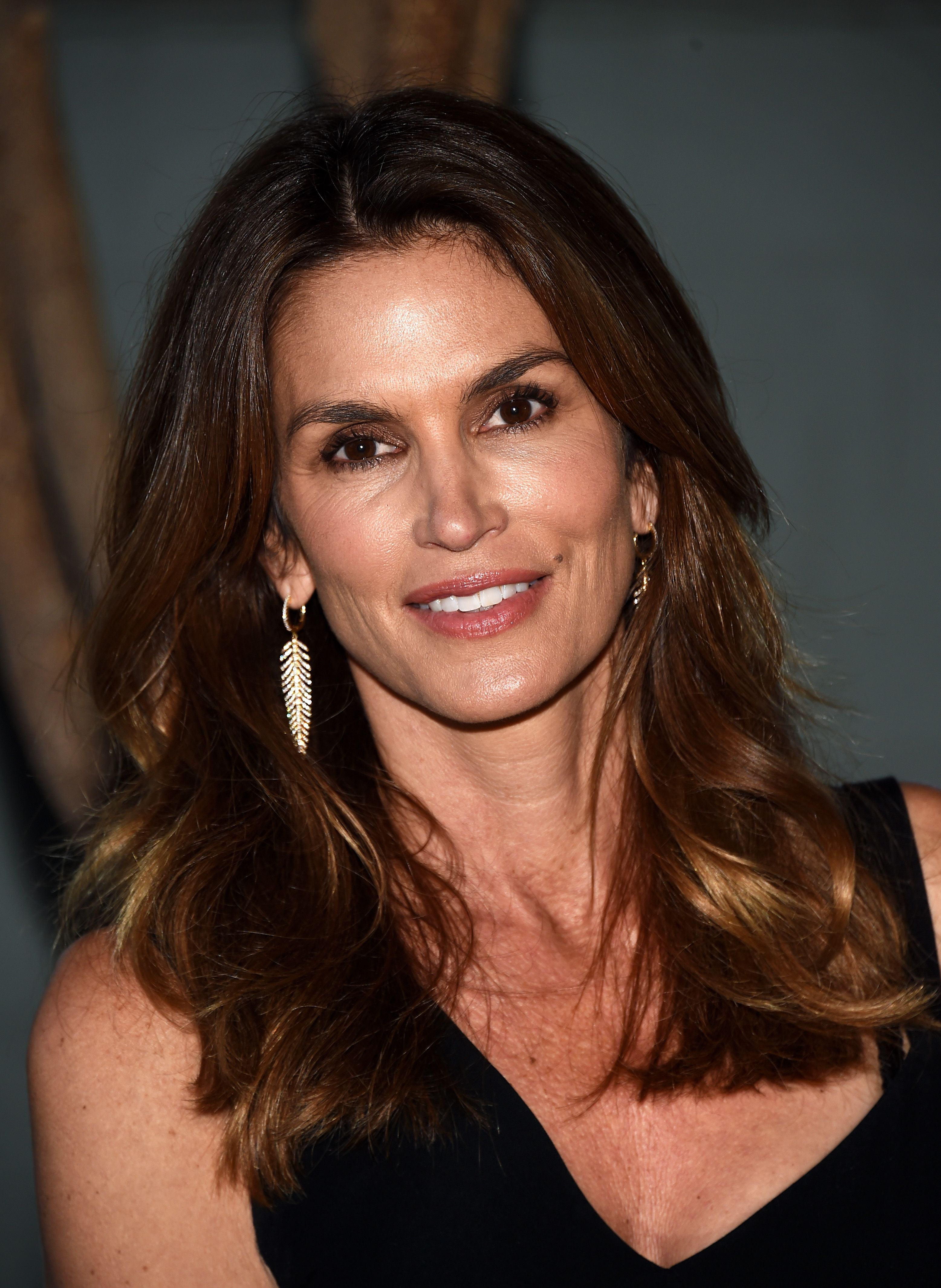 Stop Shaming Cindy Crawford for Looking Too Old