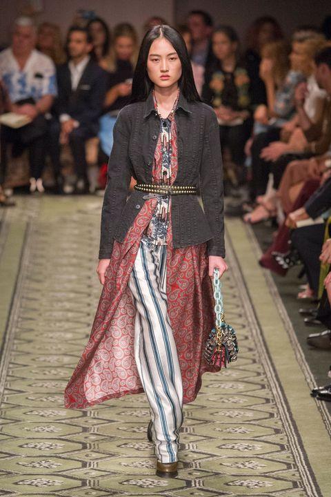 Footwear, Leg, Fashion show, Runway, Fashion model, Style, Fashion, Model, Street fashion, Fashion design,