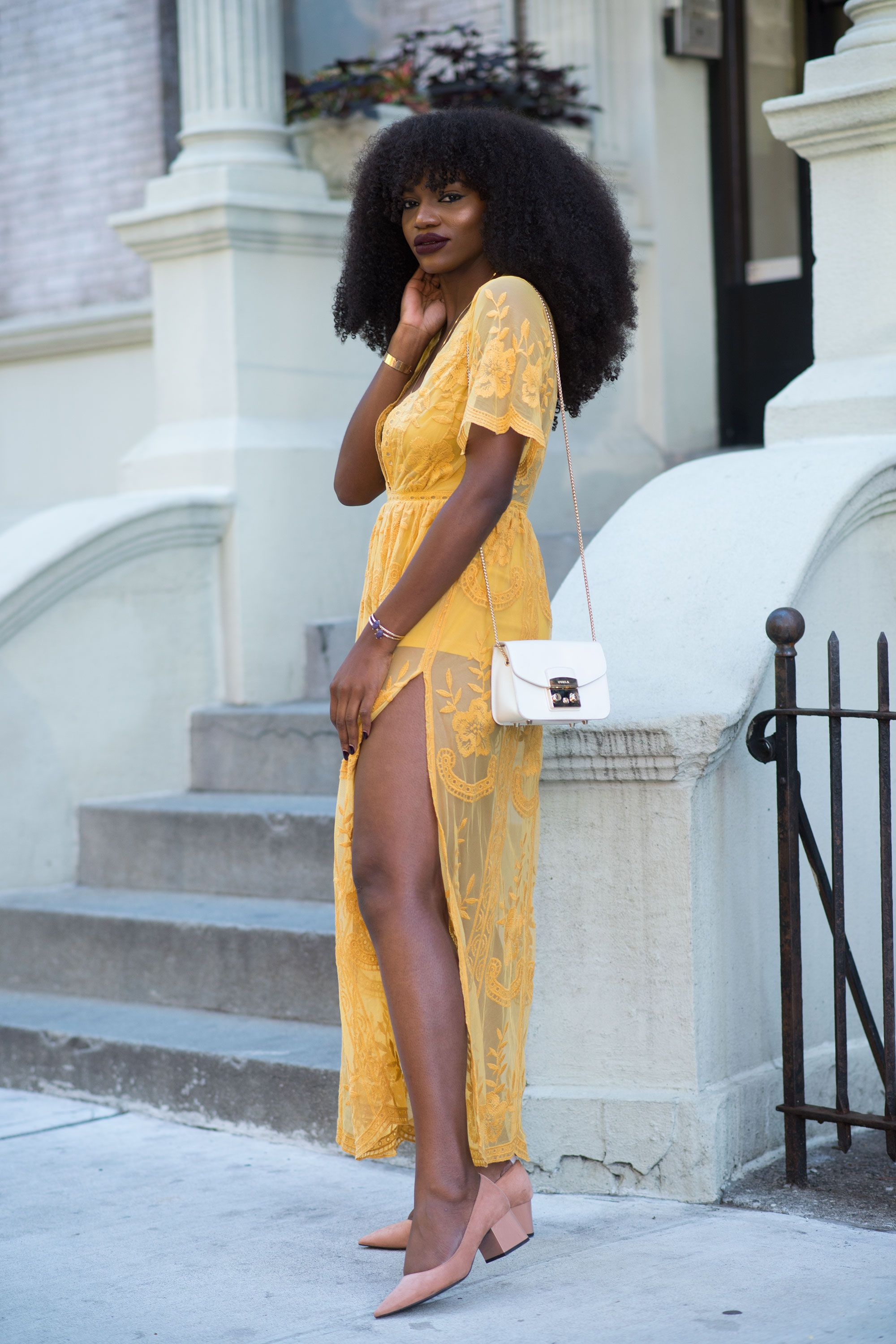 "<p>For a retro-inspired look that's dressy enough for Sunday brunch, juxtapose the boxy&nbsp&#x3B;construction of the handbag with a&nbsp&#x3B;delicate lace number.&nbsp&#x3B;""The bag makes a boho chic dress&nbsp&#x3B;look much&nbsp&#x3B;more sleek,"" says Gold.</p>"
